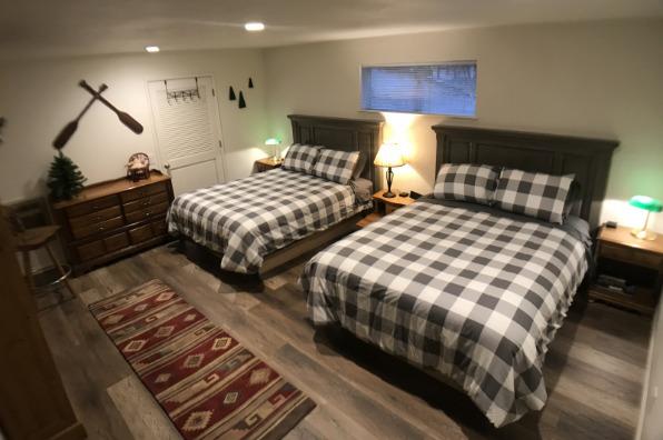 Sugar Pine Cabin Room