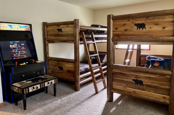 The Four Seasons Lodge Bunk Bedroom