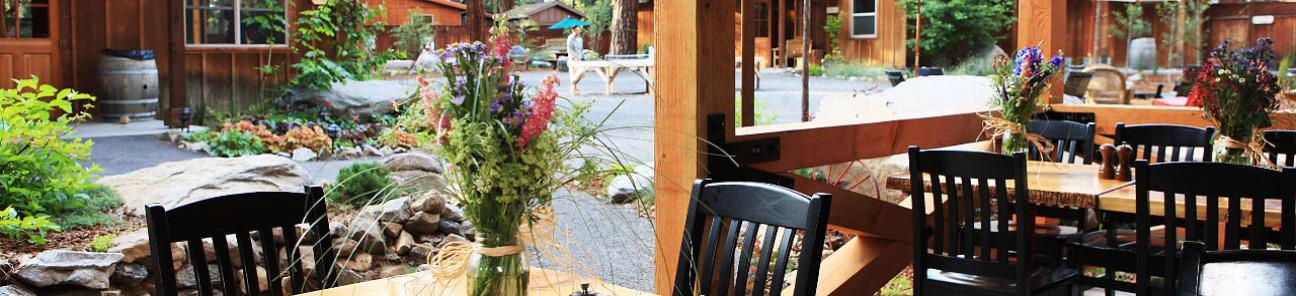 Dining at Evergreen Lodge in Groveland Yosemite