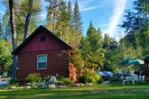 Yosemite Riveside Inn