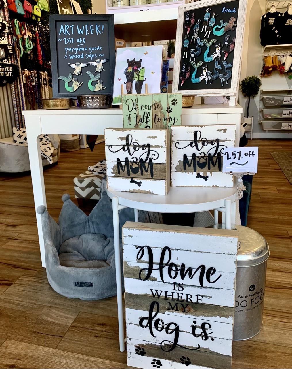 Foxy Roxys Dogge Shoppe